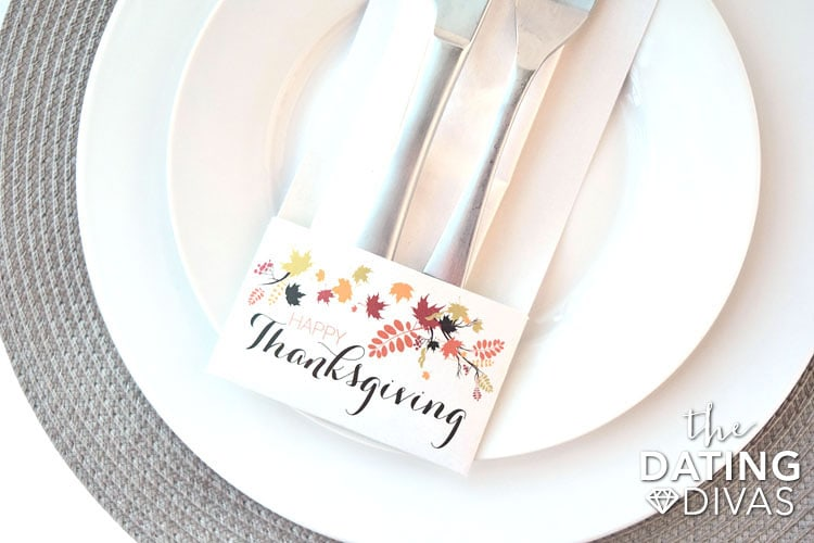 thanksgiving-table-decorations-silverware-holder