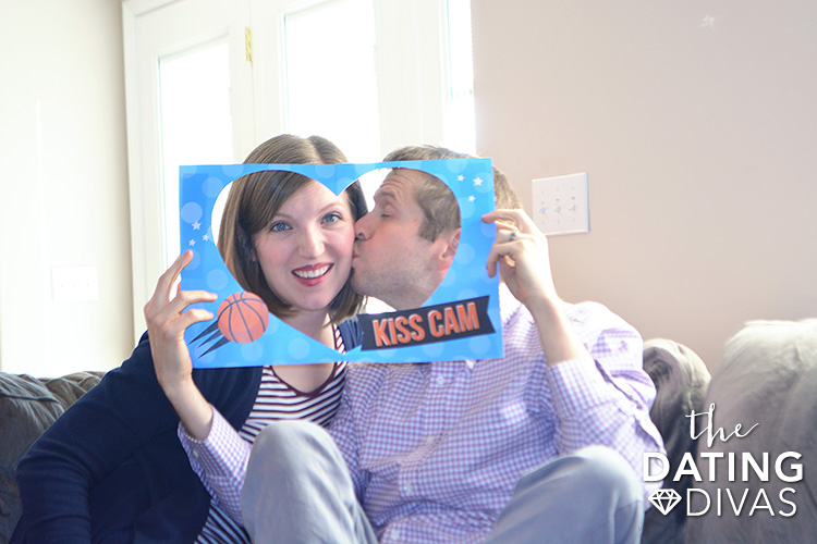 Printable Kiss Cam for you and your sweetie.
