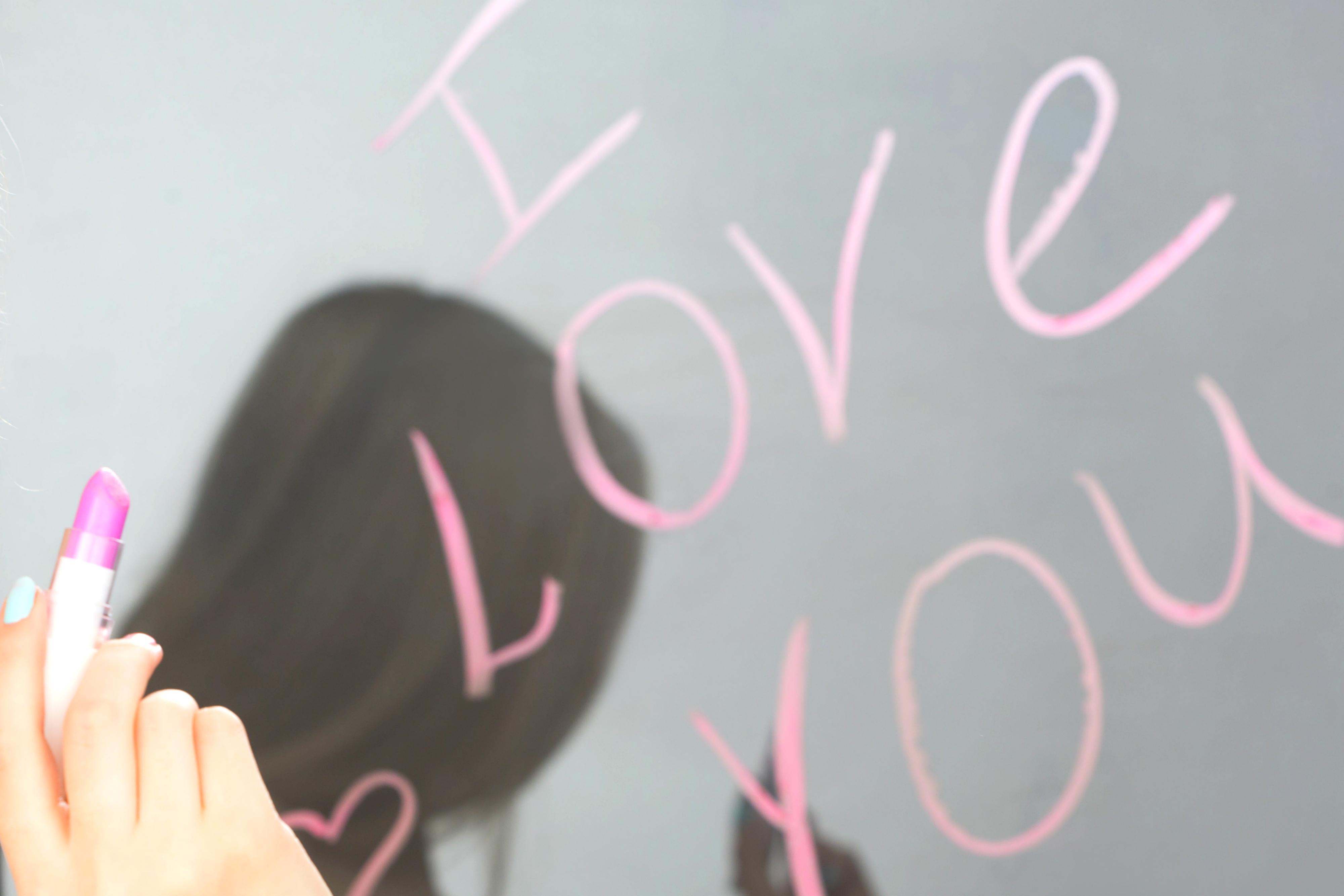 Creative Love Note Idea with Lipstick