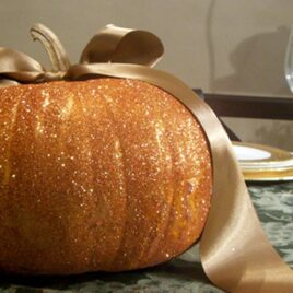 Do this Glitter Pumpkin mini-date with your spouse this fall!