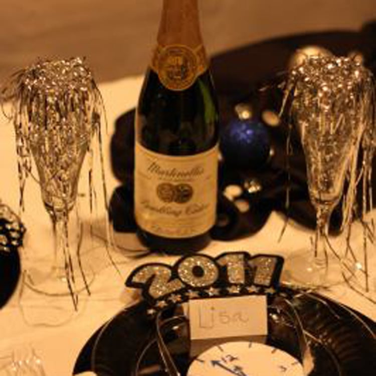 Romantic Things To Do On New Years Eve: New Year's Eve Party
