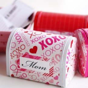 Mailboxes for love notes - a darling Valentine's Day mailbox idea.