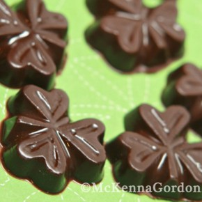 Healthy chocolate St. Patrick's Day idea.