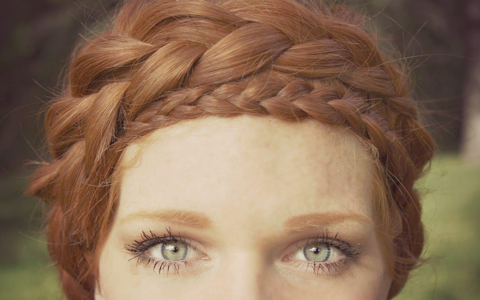 double-braided-crown-easy-hair-tutorial