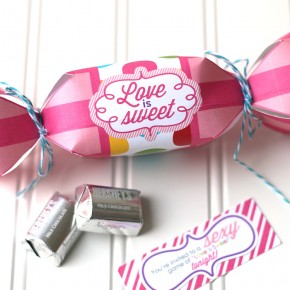 Love-is-Sweet-Bedroom-Game-Intimate-Invitation