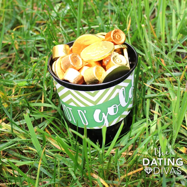 Leprechaun Idea - Lawn Surprise Pot of Gold!
