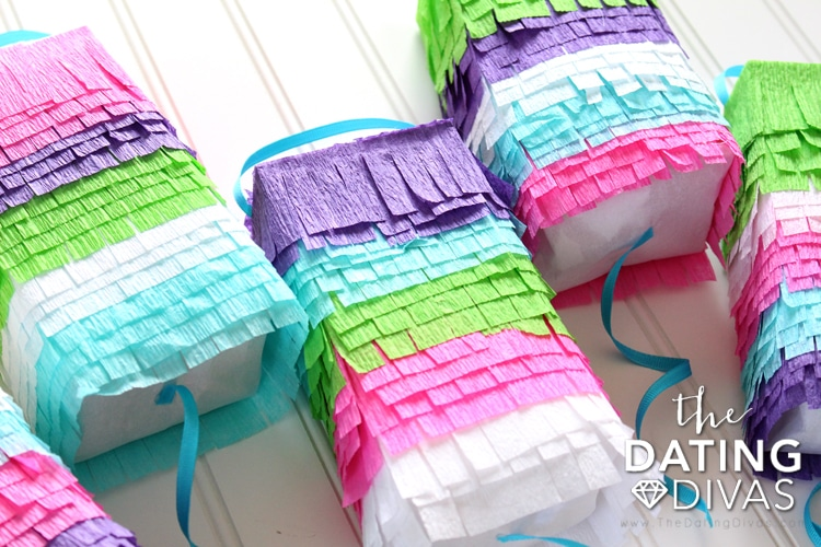 Pinata Date, Mini Pinata Craft