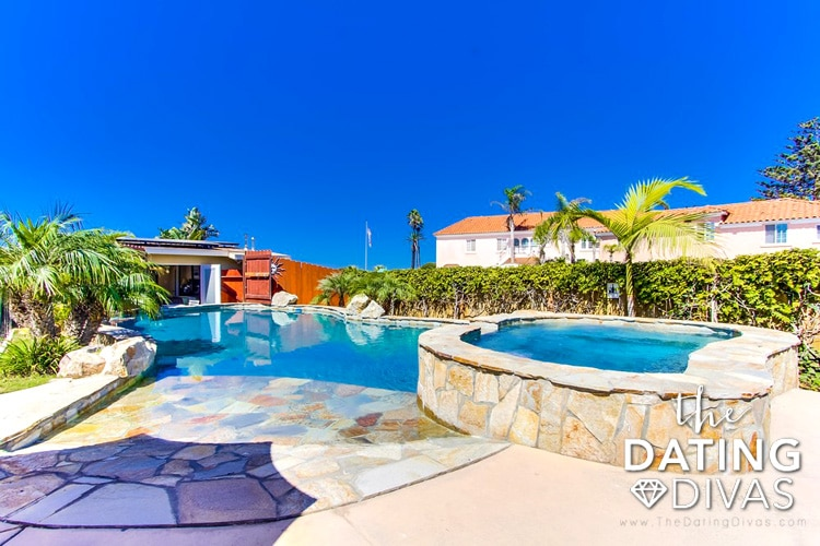 Ocean front home with pool and hot tub in San Diego, California.