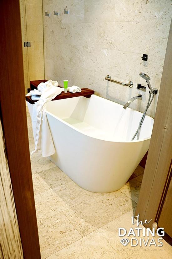 romantic-bathtub