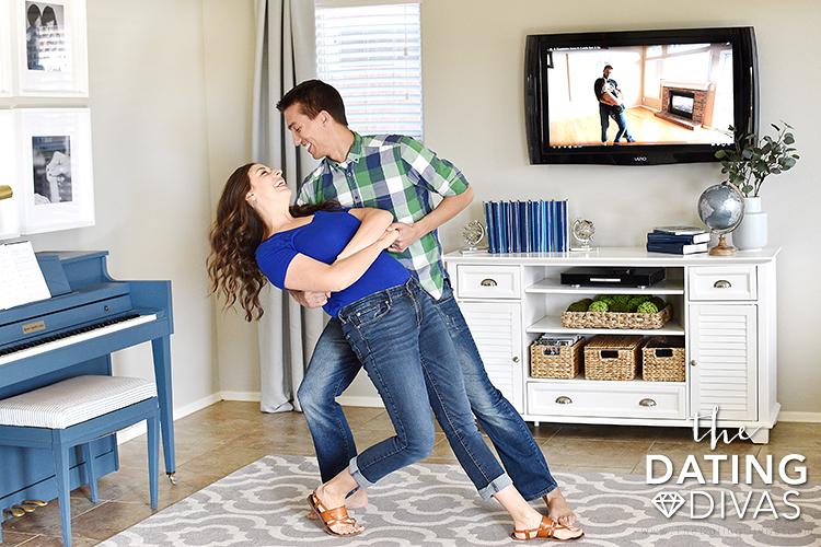 Couple dancing together using newly learned dance moves | The Dating Divas