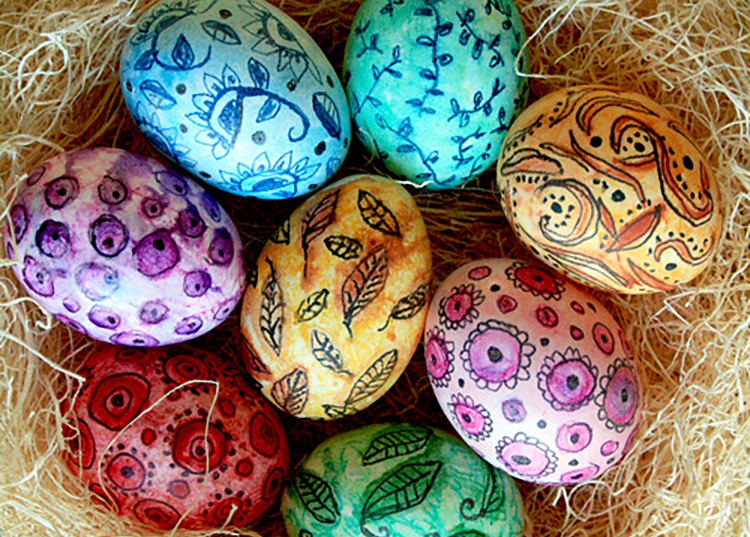 TONS of Dye and No-Dye Easter Egg Ideas