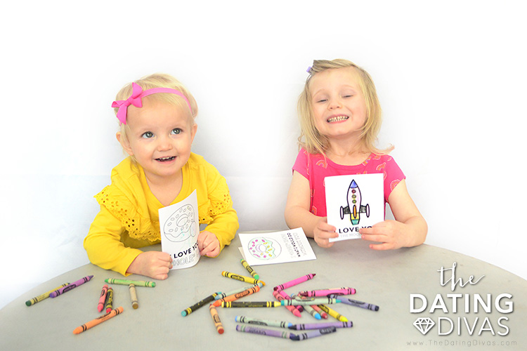 Free printable Father's Day cards to color.