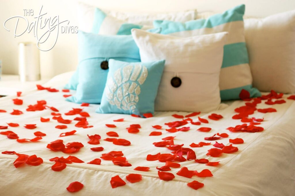 Real Rose Petals to Make Bed Romantic