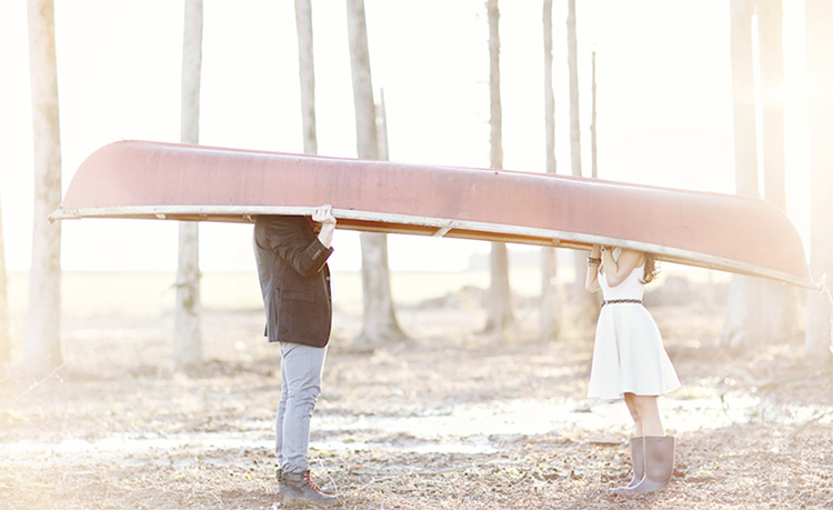 Pose with a canoe for your next couple photoshoot. | The Dating Divas