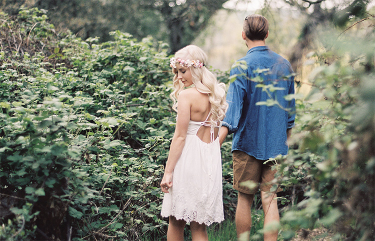 Take your couple pictures in a forrest. | The Dating Divas