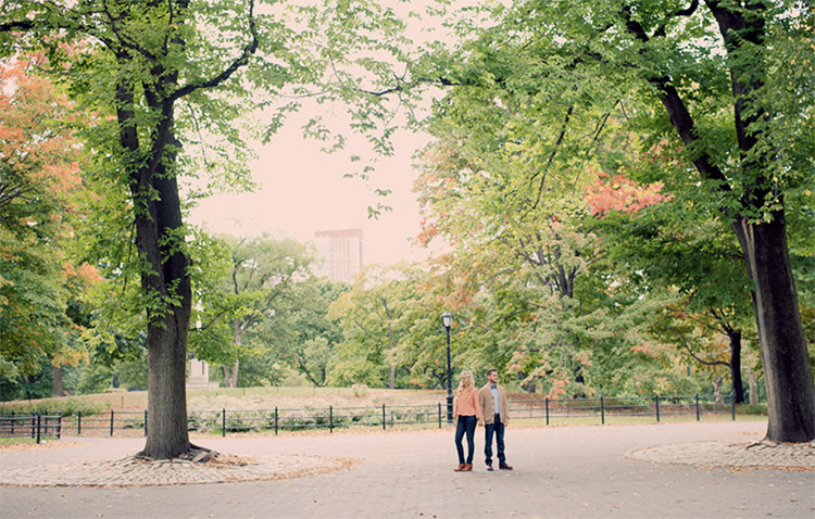 Get couple picture ideas from park locations. | The Dating Divas