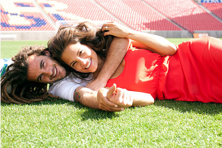 Sports stadiums are great for couple picture ideas. | The Dating Divas