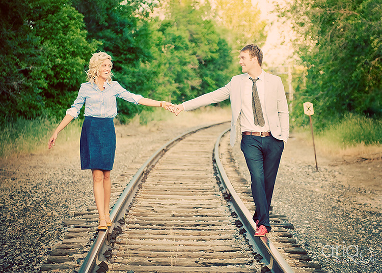 Couple picture ideas on train tracks. | The Dating Divas