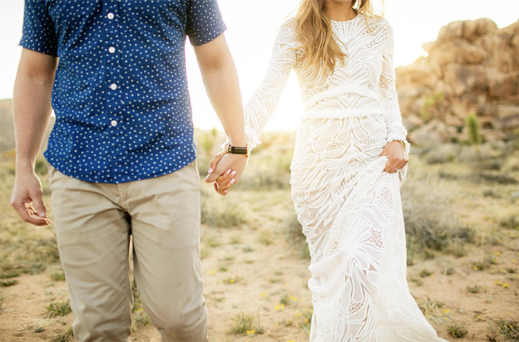 Walk towards the camera for your next couples pose. | The Dating Divas