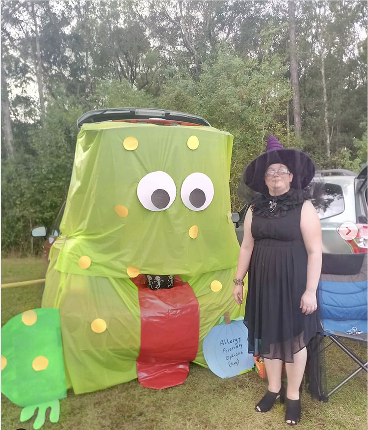 Trunk decorated as a frog - a great trunk or treat idea for Halloween | The Dating Divas