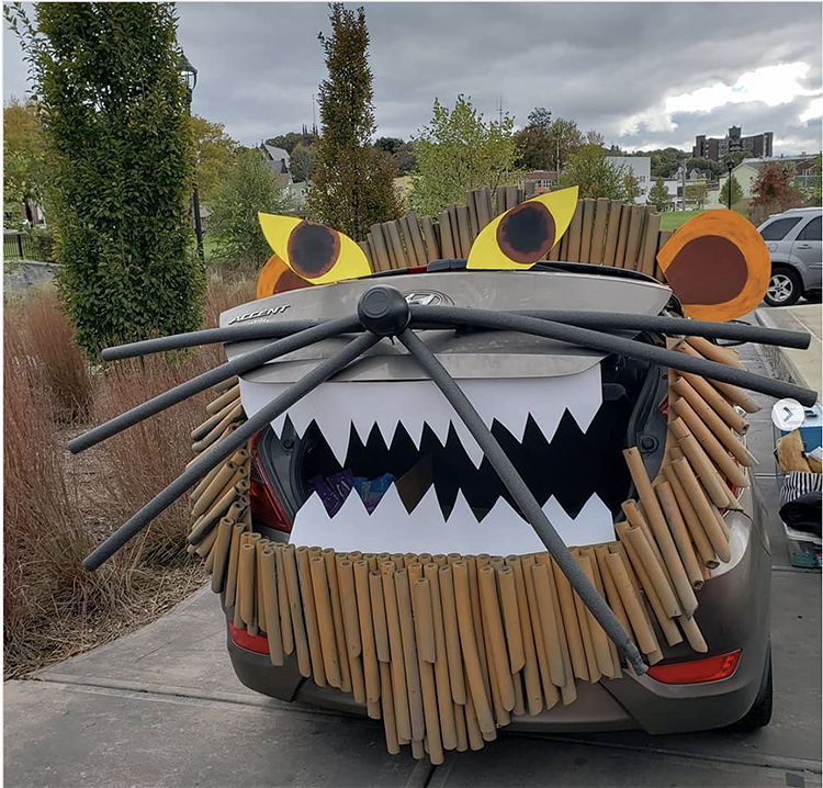 Trunk decorated as a lion - a great trunk or treat idea for Halloween | The Dating Divas