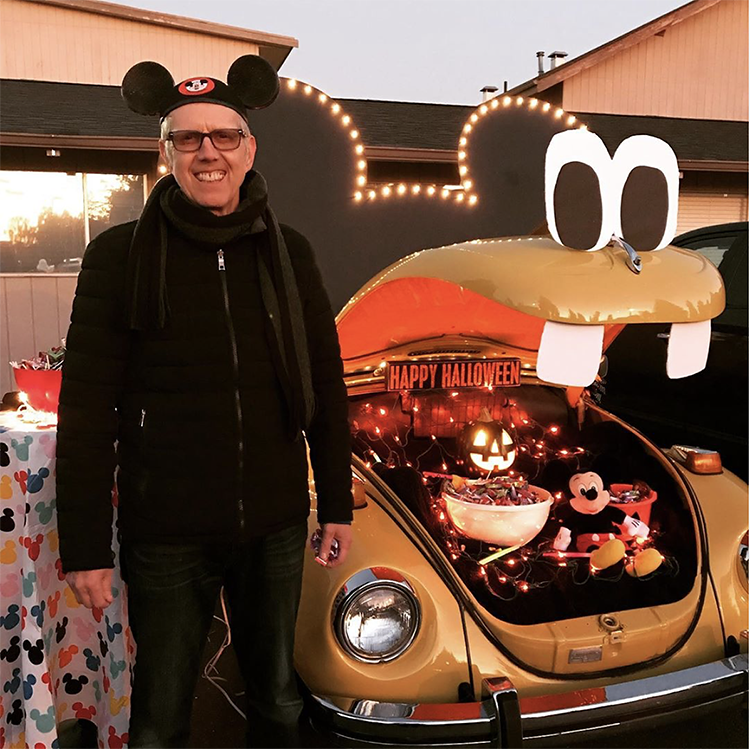 Trunk decorated with Mickey Mouse theme - a great trunk or treat idea | The Dating Divas