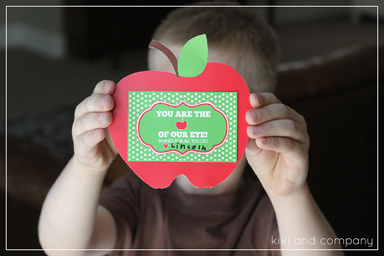 Apples are a classic teacher appreciation gift, try modernizing it with a gift card! | The Dating Divas