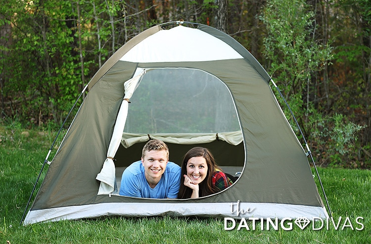 Enjoy this at-home date night idea - a backyard campout. | The Dating Divas