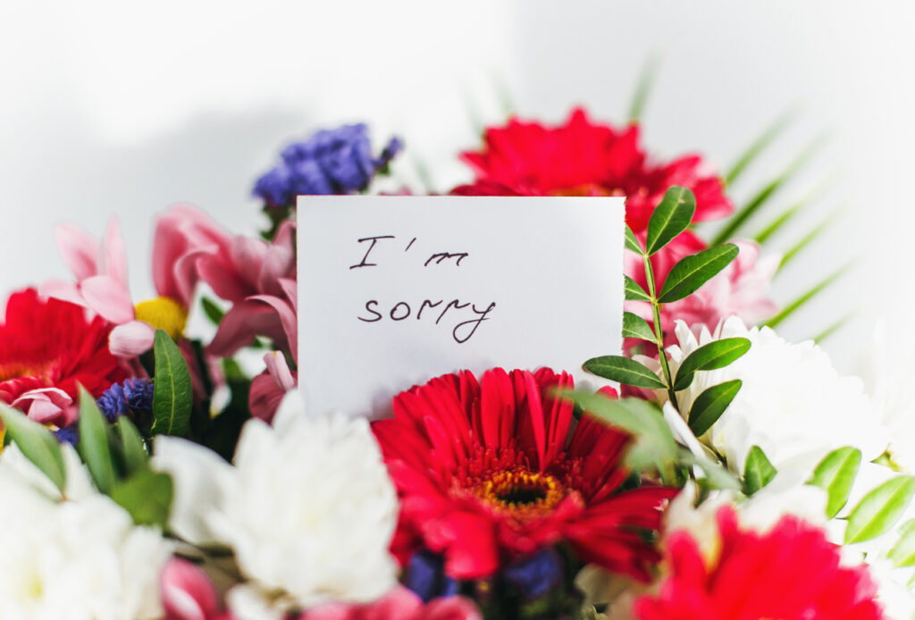 Ideas for Saying Sorry in a Text or Letter | The Dating Divas
