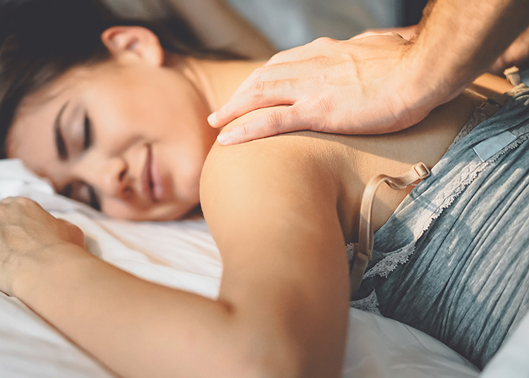 Take time to find out what feels good to your spouse with these sensual massage hints. | The Dating Divas