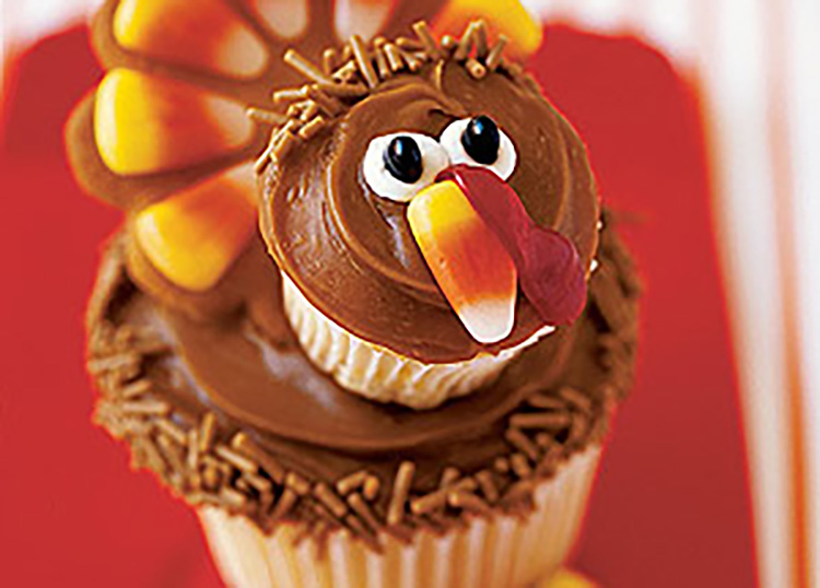 Fun Thanksgiving desserts should be turkey-shaped! | The Dating Divas