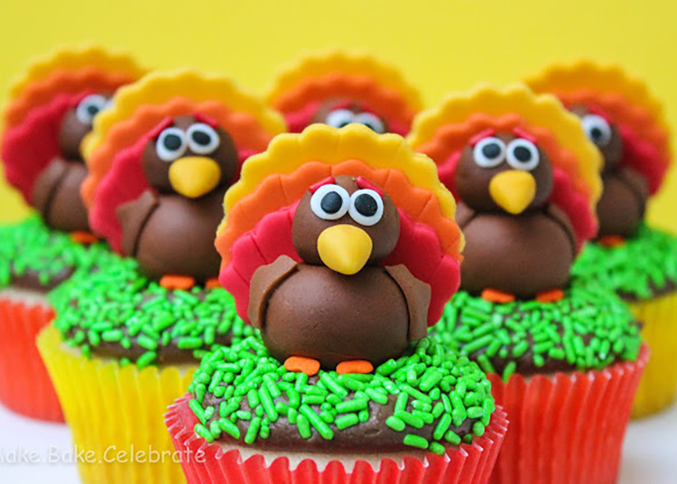 Make some easy fondant turkey toppers for a fun Thanksgiving dessert. | The Dating Divas