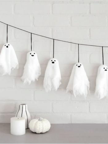 Fall Halloween Decorations | The Dating Divas
