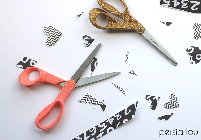Cute glitter scissors that are perfect for Teachers. | The Dating Divas
