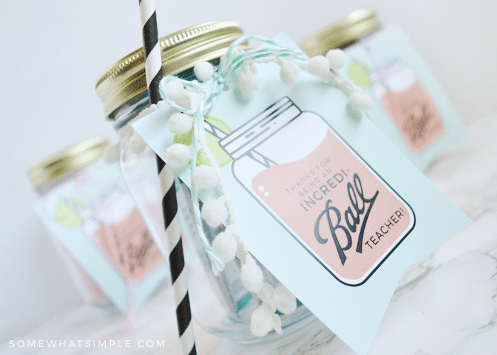 Cute mason jar gift that are perfect for teachers. | The Dating Divas