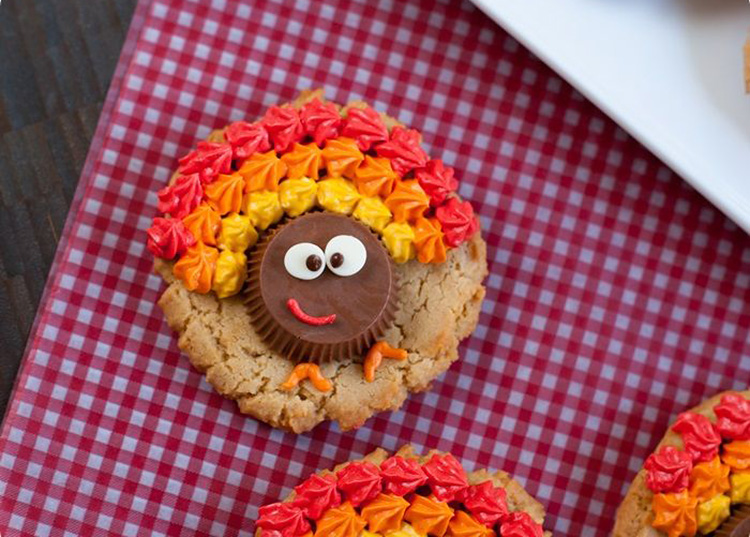 Use a popular peanut butter cup to make some fun thanksgiving desserts that look like turkeys. | The Dating Divas