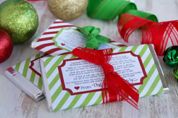 Christmas poem covered candy wrappers to give as gifts | The Dating Divas