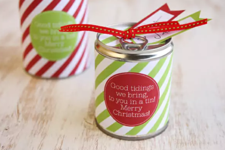 Pop top cans containing gift cards and decroated for Christmas | The Dating Divas