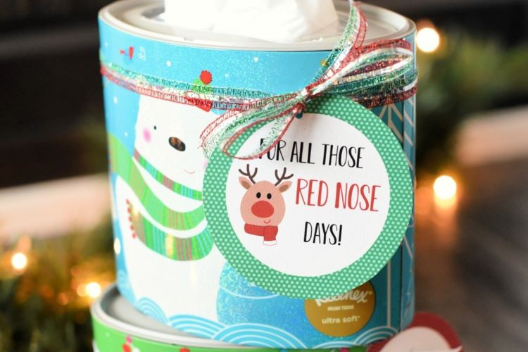 Box of tissues with a Christmas gift tag on the front | The Dating Divas