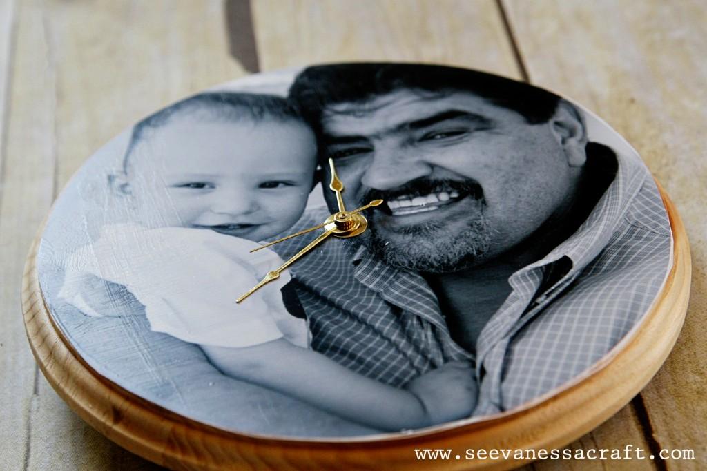 Boyfriend loving his Photo Clock Christmas gift this year   The Dating Divas