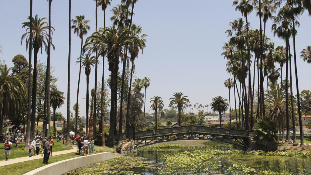 People enjoying their time at Echo Park Lake | The Dating Diva