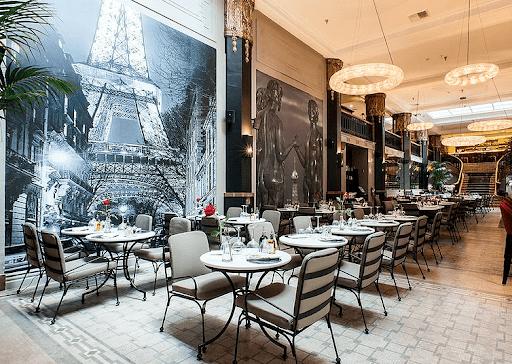 La Petite Paris is perfect for romantic dinner date. | The Dating Diva
