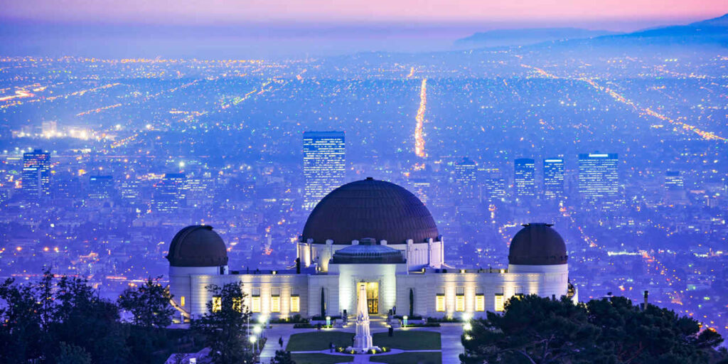 Griffith Observatory date idea that are perfect for couples. | The Dating Diva