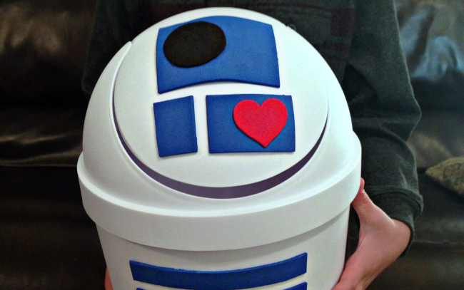 Mini white trash bin turned into R2D2 themed Valentine's Day box | The Dating Divas