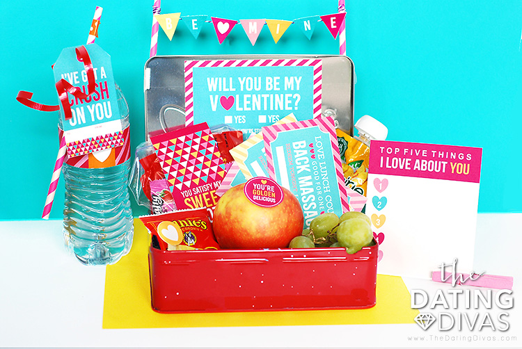 Valentine's themed lunch box to gift your sweetie. | The Dating Divas