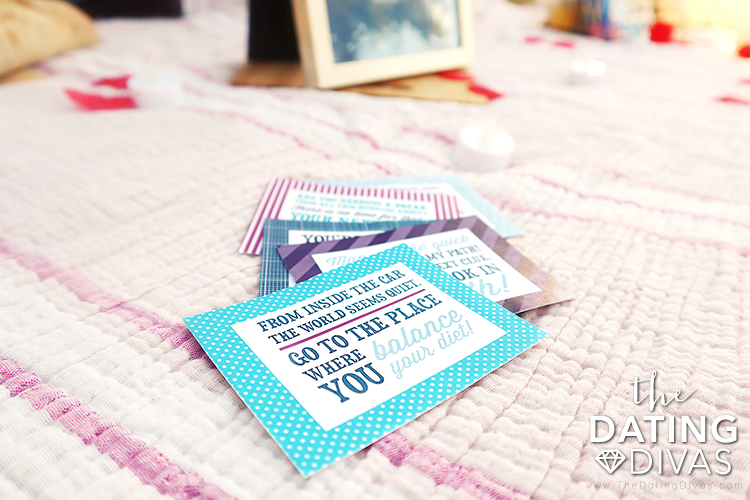 Scavenger hunt riddles leading to a picnic that are perfect for date night | The Dating Divas