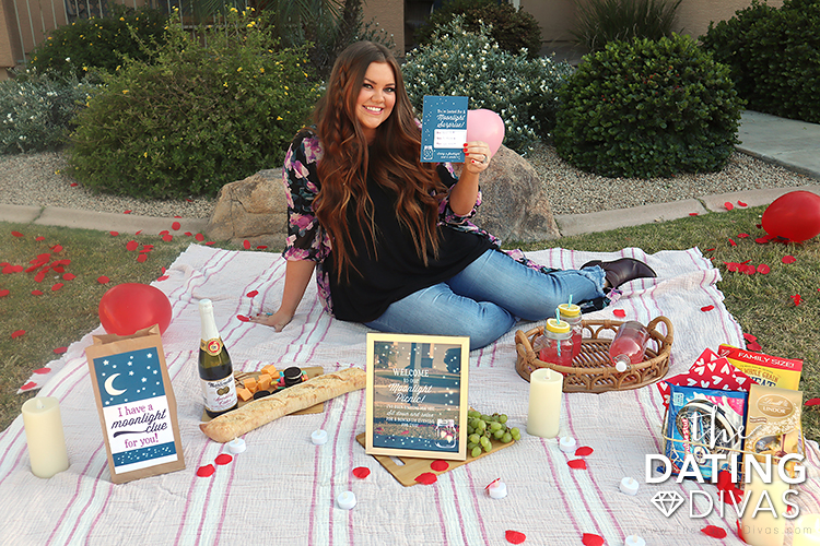 Girlfriend setting up romantic scavenger hunt that leads to a picnic | The Dating Divas