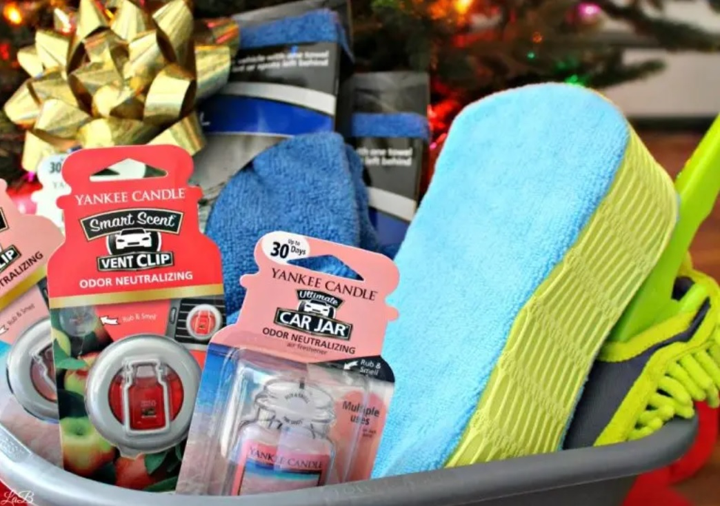 Bucket full of car items for the perfect gift | The Dating Divas