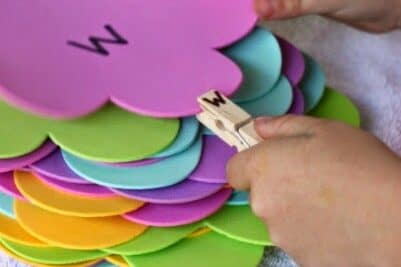 Clothespin and flower letter match preschool activities | The Dating Divas