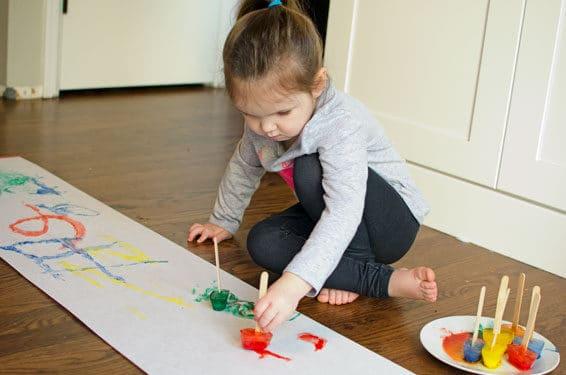 Frozen paint pop toddler activities | The Dating Divas